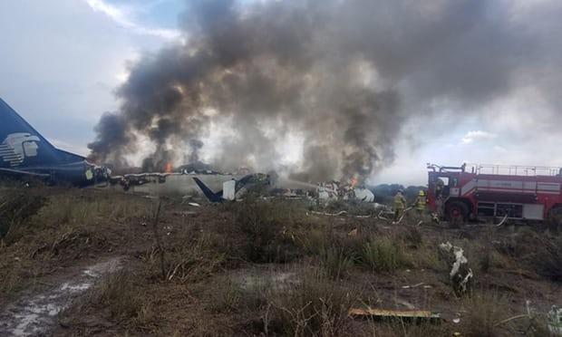 Три лица загинаа при уривање на мал авион- несреќа во Бразил