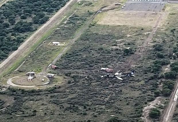 ФОТО: Околу 85 повредени при пад на авион во Мексико