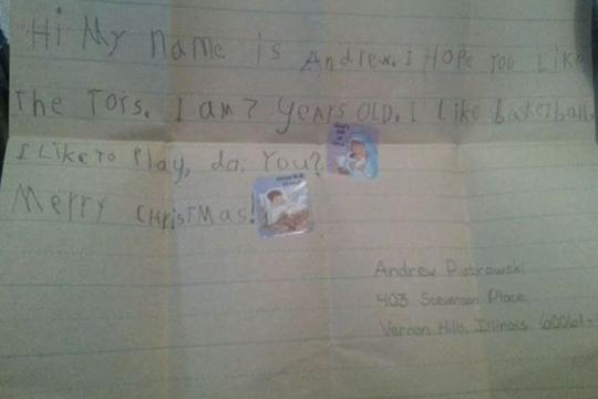 Писмо кое ќе ви го стопли срцето: Тој го испратил, а таа му одговорила по 23 години