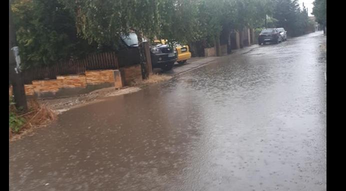 Утринскиот дожд предизвика поплава во Драчево, граѓаните бараат реакција од градоначалникот Темелковски (ФОТО ГАЛЕРИЈА)