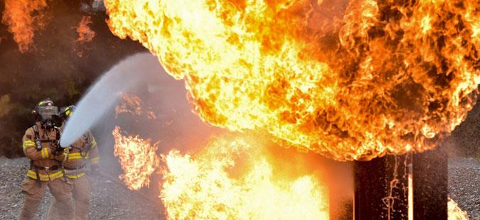 Голем пожар во источна Холандија