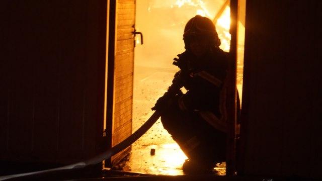 МВР поднесе кривична пријава против прилепчанка: Со запаллива течност предизвикала опожарување на влезна врата и делови од покуќнина