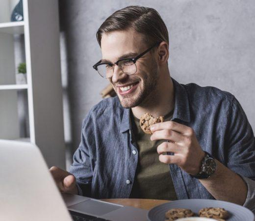 Не јадете бисквити на работното место