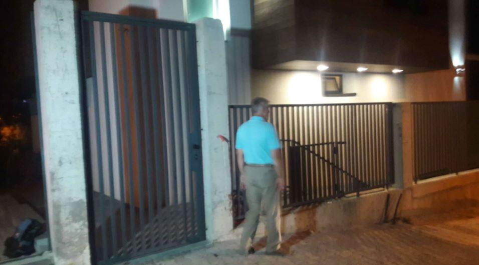 ФОТО: Завршен претресот во домот на Јакимовски, екс градоначалникот замина во Финансиска полиција
