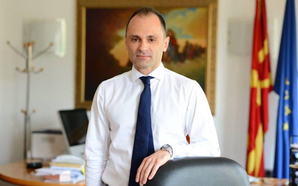 Филипче ги изреволтира и исплаши родителите: Повторно тврди дека дури после промена на името, децата ќе добијат најквалитетни вакцини