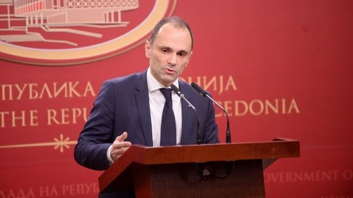 Поранешниот шеф на кабинет на Филипче: Со матен тендер од 35 милиони евра може да се врати половина од долгот во здравството
