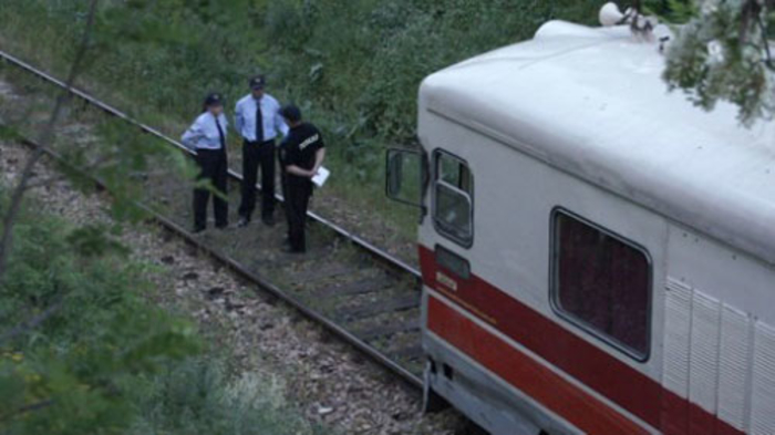 Се запали локомотива на железничката станица во Зелениково