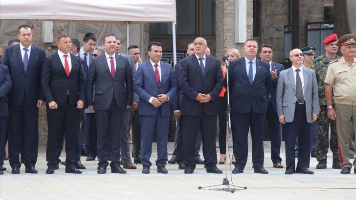 Борисов го претстави Делчев како бугарски: Прво со Заев отидовме на гробот на НАШИОТ светец и херој, сега тој е тука!