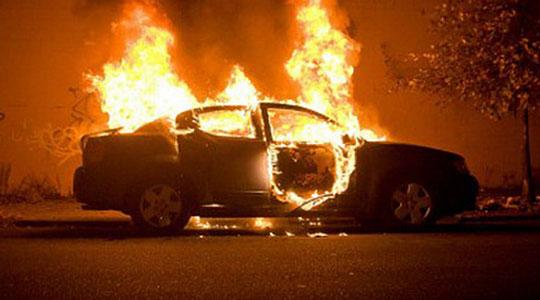 Струмичанец запали автомобил пред домот на сопственикот