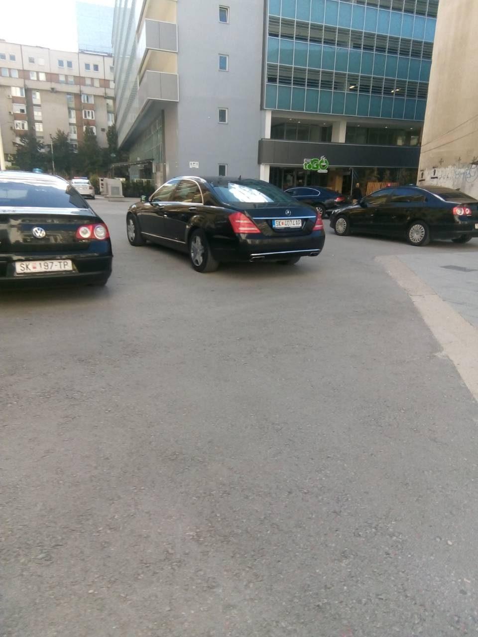 """Владата го вози претседателот на словенечкиот парламент Дејан Жидан во """"Мерцедесот"""" за кој Груевски беше осуден на 2 години затвор"""