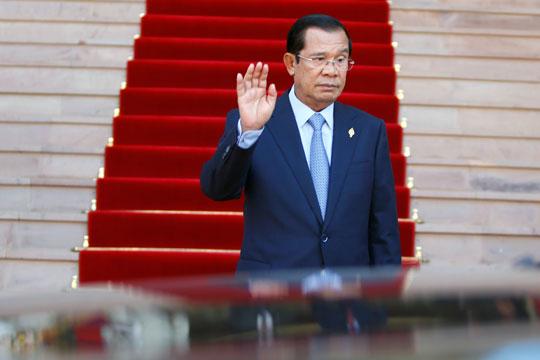 Хун Сен реизбран за премиер на Камбоџа