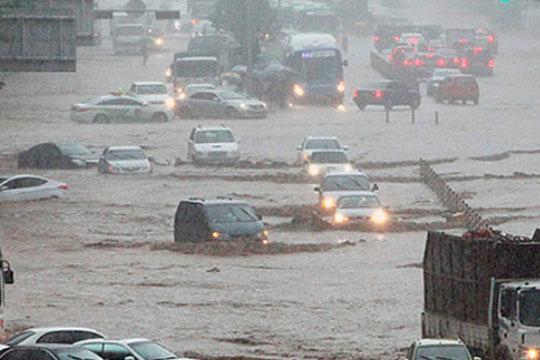 Дождот кој врне од 28 август направи огромна штета: Најмалку 76 лица загинаа, уште толку исчезнати