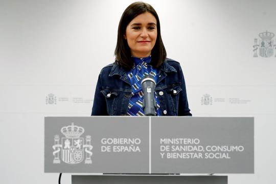 Шпанската министерка за здравство поднесе оставка поради сомнежи за нејзината магистратура