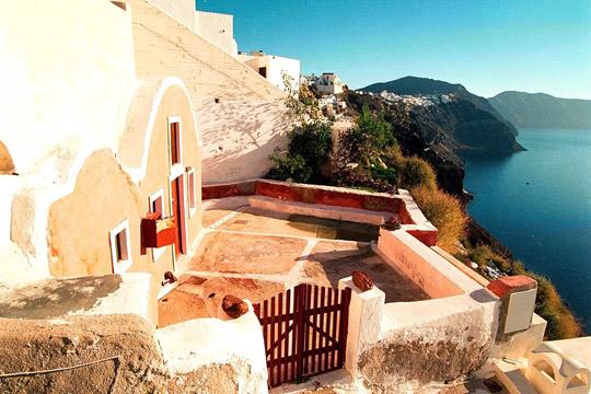 Грчките даночни служби со дронови откриваат затајување данок