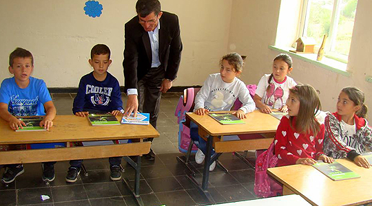 Донирани учебници и дидактички помагала во училиштата во Пустец