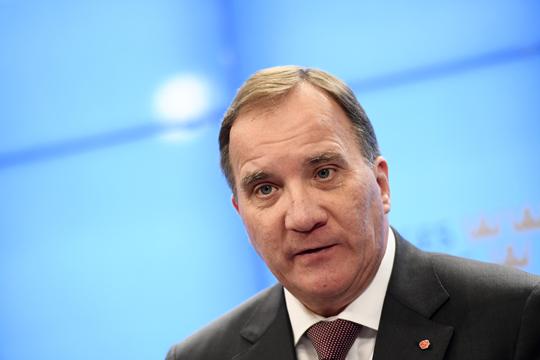 Шведскиот премиер бара крај на блоковската политика во Шведска