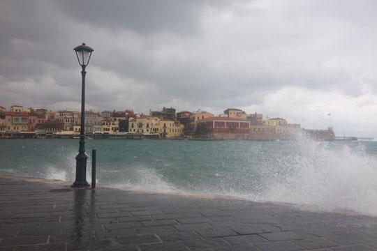 Медитерански циклон ќе и се придружи на бурата Ксенофон во Грција
