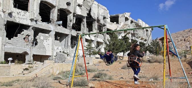 Првата бунтовничка група се повлекува од демилитаризираната зона во Сирија