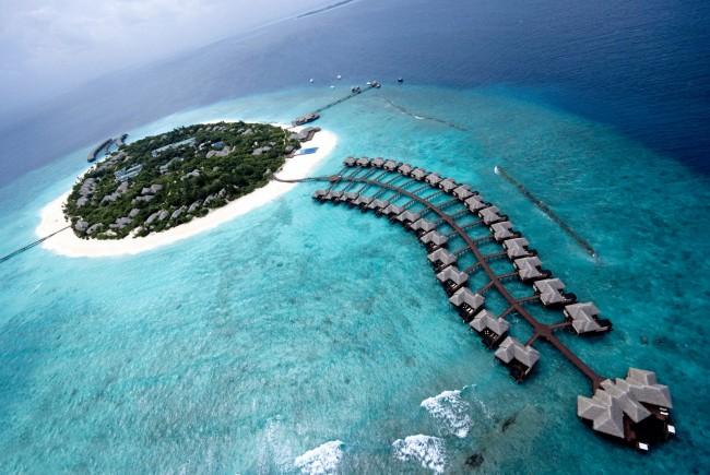 Жителите на тропската држава Малдиви избираат претседател