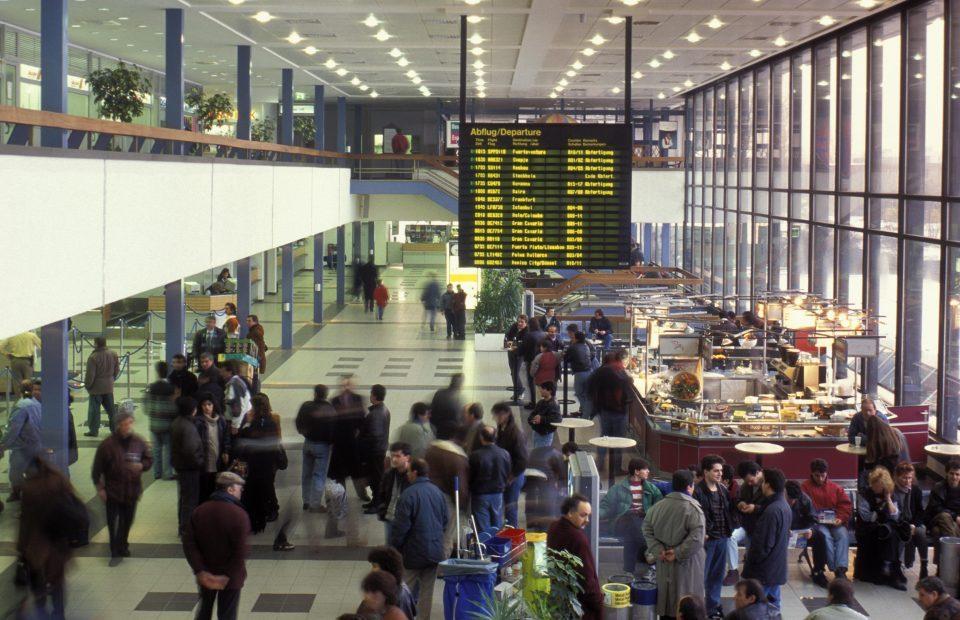 Тревога на аеродромот во Берлин