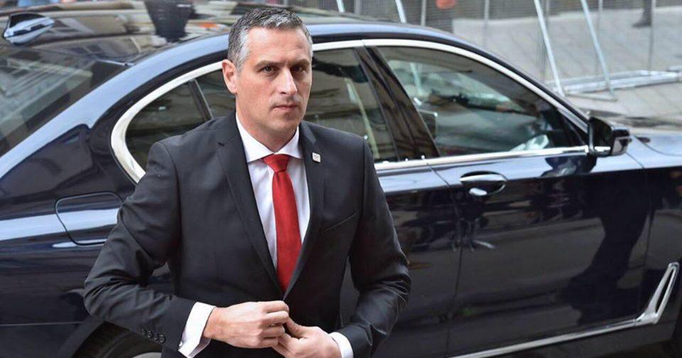 Михаилов: Тодоров, знаеме дека Мијалков ти ја даде палката од Заев да продолжиш да го рушиш ВМРО