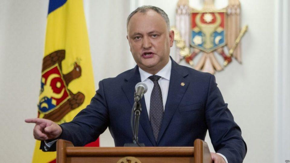 Суд го суспендираше претседателот на Молдавија
