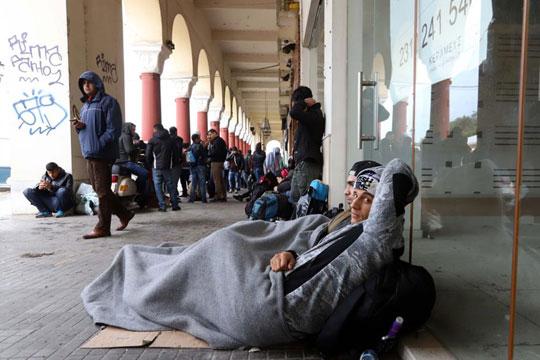 Почна истрага за евентуална злоупотреба на средства за бегалци во Грција