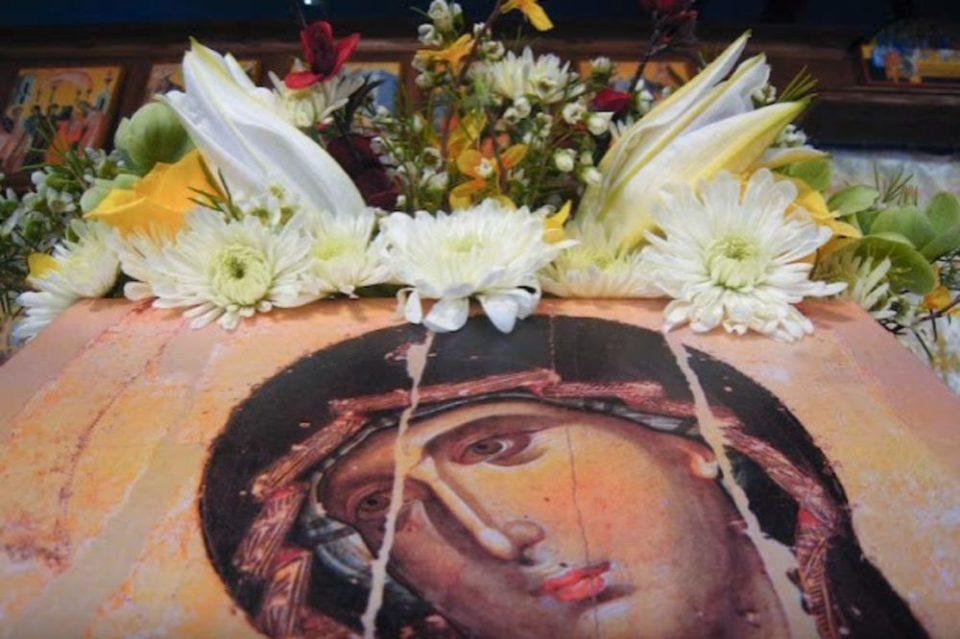 Доаѓа еден од најзначајните празници: Што треба, а што не треба да правите на Голема Богородица