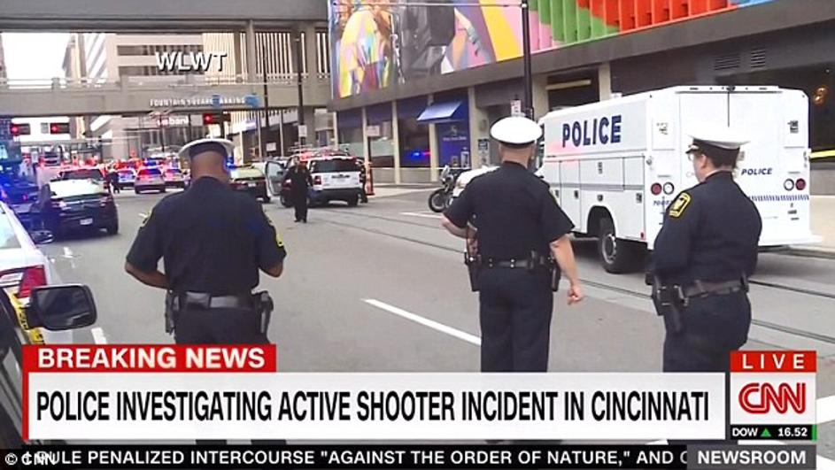 Пукање во банка: Има ранети, луѓе крвави лежат на под