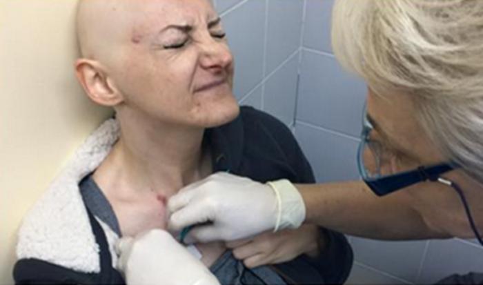 Беше омилена пејачка на Балканот, ја загуби битката со ракот, а кога ќе ја видите заедничката фотографија со Тоше ќе заплачете (ФОТО)