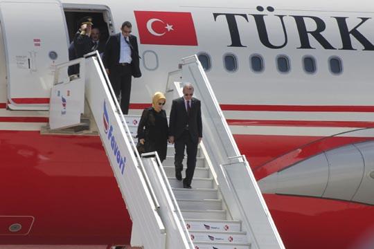 Шеикот на Катар му подари скапоцен приватен авион на Ердоган
