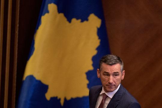 Косовската опозиција се враќа во Собранието и бара предвремени избори