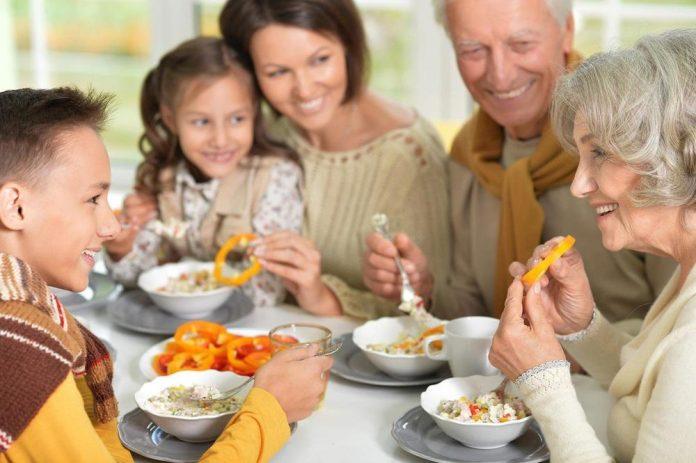 Мени според годините: Прилагодете ја исхраната според возраста- еве како