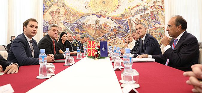 Иванов на средбата со Столтенберг: НАТО и ЕУ не смеат да бидат алиби за лош договор