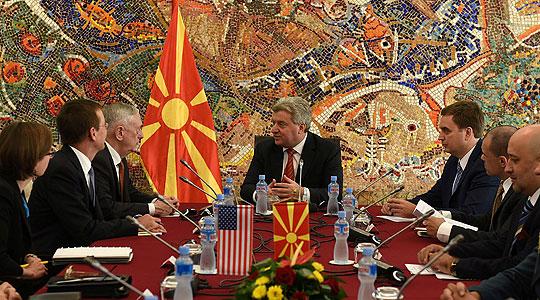 Влезот во НАТО и ЕУ остануваат највисоки стратешки цели, му порачал Иванов на Матис