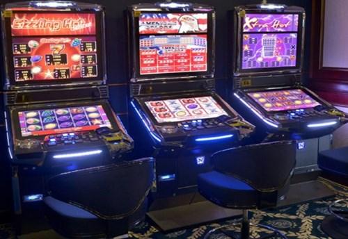 Драма во казино во ГТЦ: Влегле да пијат вода и направиле хаос- едно лице повредено