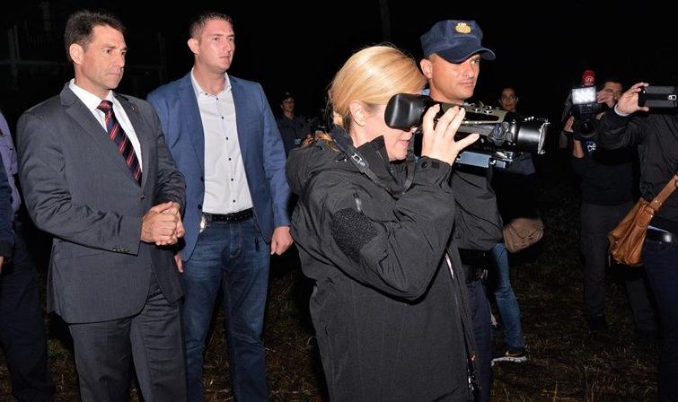 Хрватската претседателка се исплаши: Рој стршени ја нападнаа Колинда