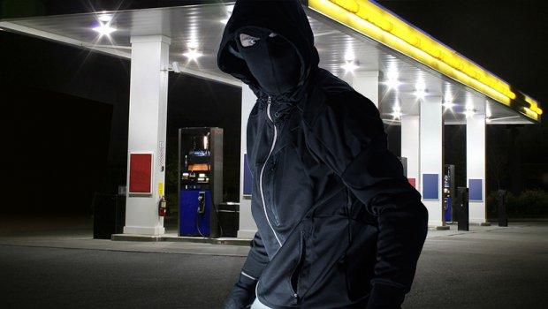 Ограбил бензинска пумпа, па потоа направил несекојдневен потег: Кога ќе видите каде завршиле илјадниците евра ќе останете во неверување
