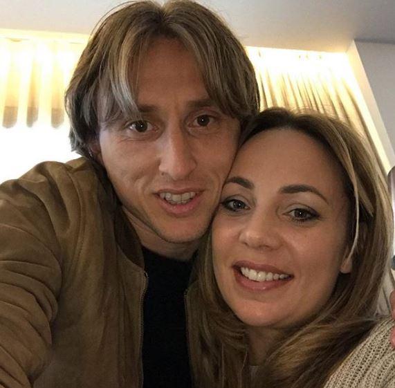 Ова е сопругата на Лука Модриќ која му роди три деца, а кога ќе видите чија копија е неговиот син ќе останете во неверување (ФОТО)