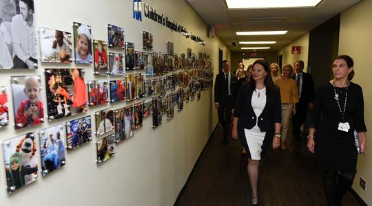 Маја Иванова ја посети Детската болница на Мичиген во Детроит