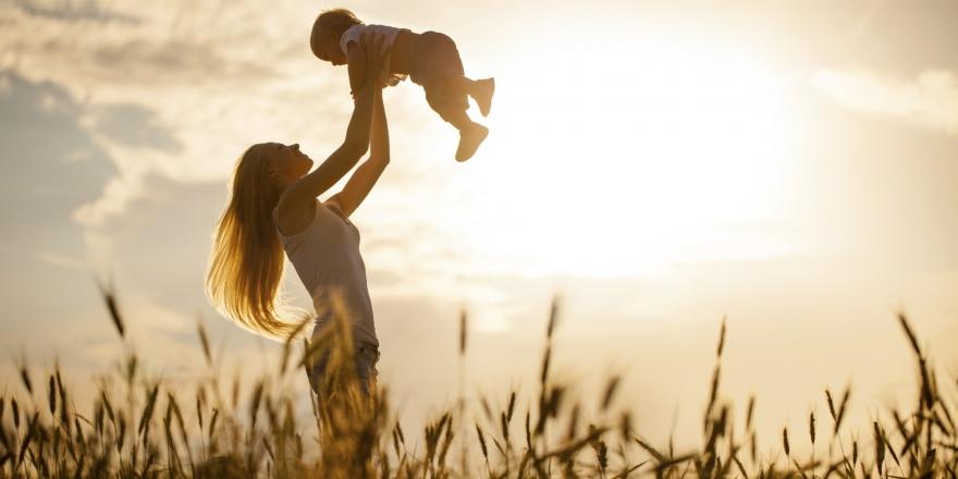 Не чувствувајте вина ако се согласувате: На мајките им треба одмор и од сопствените деца