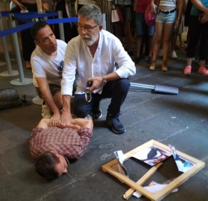 Видео од нападот врз Марина Абрамовиќ во музеј во Фиренца