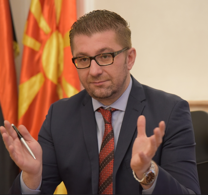 Мицкоски до Заев: Стануваш заштитник и промотор на криминалот, одиш против народот и се плашиш од демократски избори