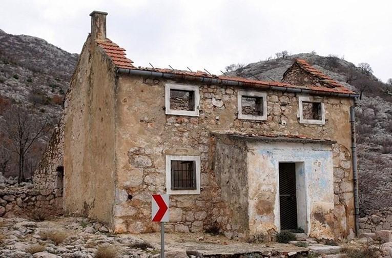 Таму се случила голема семејна трагедија: Ова куќата на Велебит во која е роден најдобриот фудбалер на светот (ВИДЕО)