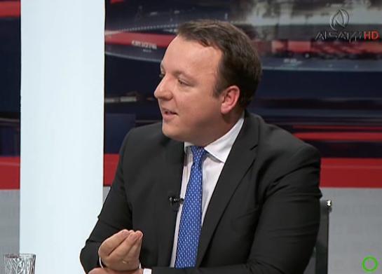 Николоски: СДСМ се обидува да дебатира за се освен за договорот