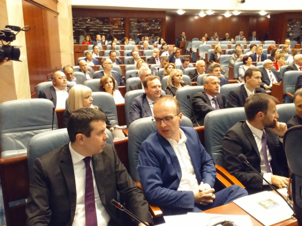 Николоски: Не е точно дека пратеници ВМРО-ДПМНЕ давале поддршка за договорот со Грција