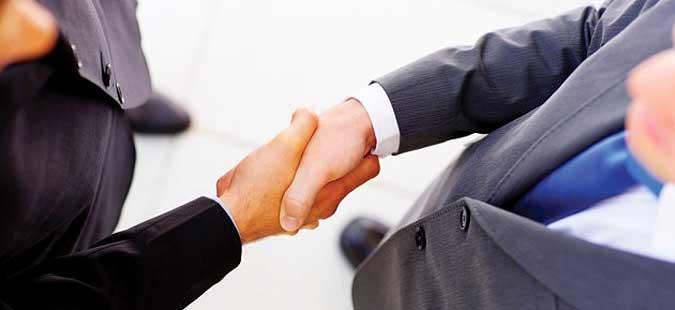 Данска нема да им дава државјанство на кандидатите кои одбиваат да се ракуваат