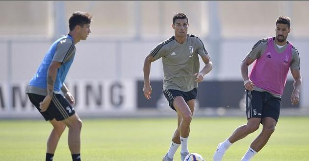 ФОТО: Роналдо се појави на тренинг со огромна модрица на окото