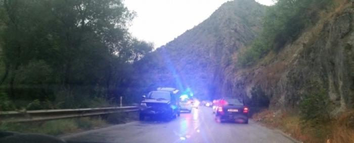 """Маж тешко повреден, паднал од камион на """"Македонија пат"""" кај Демир Капија"""