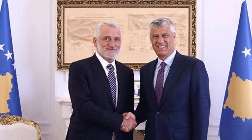 Косовскиот претседател Тачи со поддршка за рефрендумот: Албанците, каде и да се, треба да бидат обединети